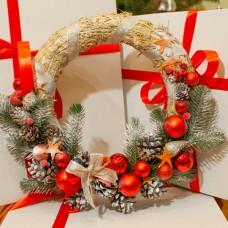 Новорічний, різдвяний вінок солом'яний з шишками